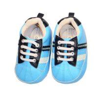 Felblauwe schoenen